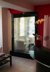 Водопады по стеклу для дома и офиса